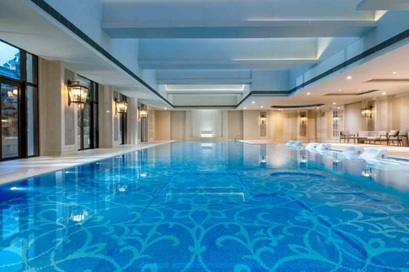 piscine-sofitel-shanghai-plaisir-et-bien-etre